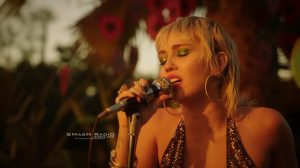Miley_Cyrus-Just_Breathe_Video_pic_2