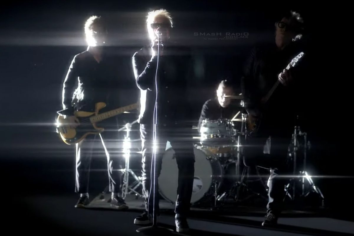 The Offspring – Let The Bad Times Roll Video Oficial_1